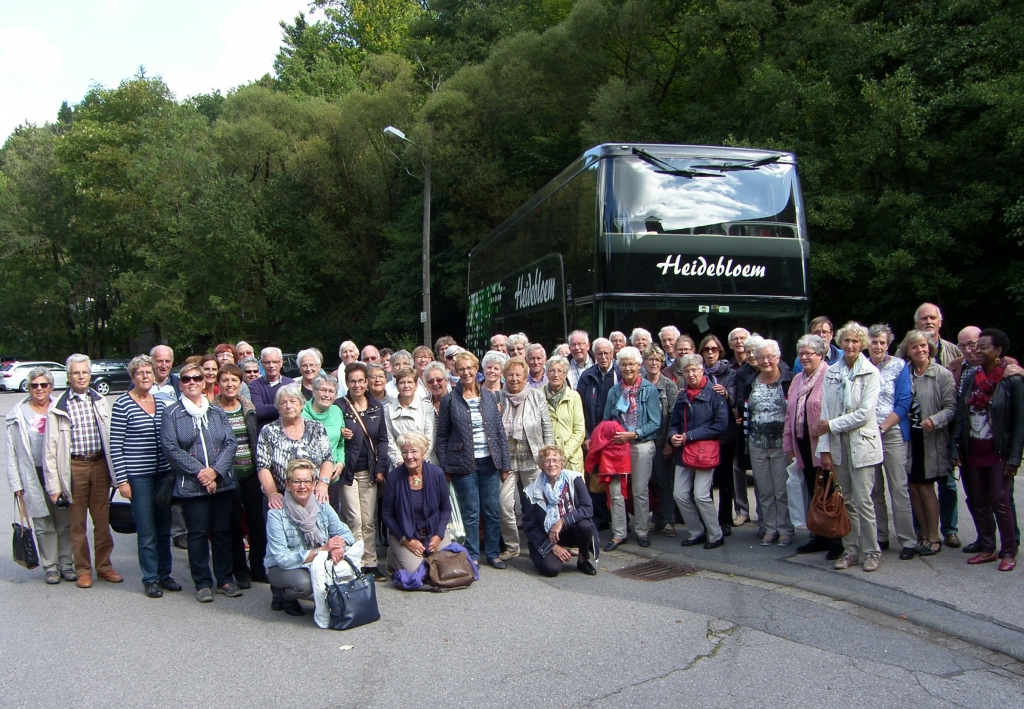 'Hosanna' bij de bus in Monschau, wachtend op 4 verdwaaldenSAMSUNG DIGITAL CAMERA